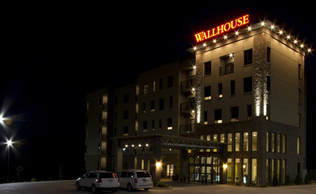 Wallhouse Hotel at Night