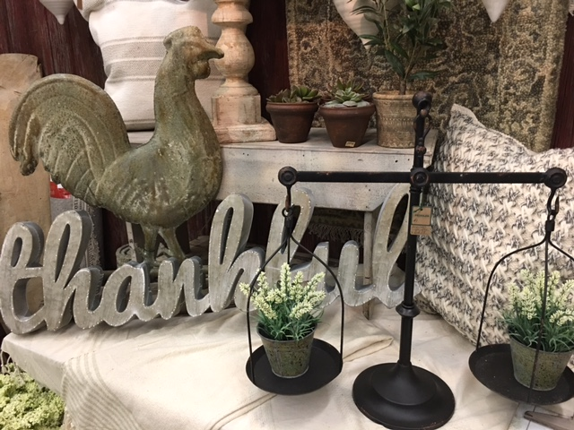 The Peddler Thankful Decor